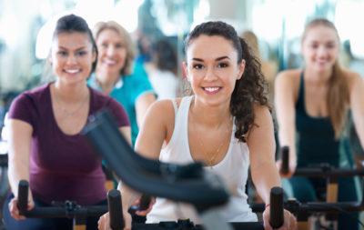 女性のトレーニングの画像